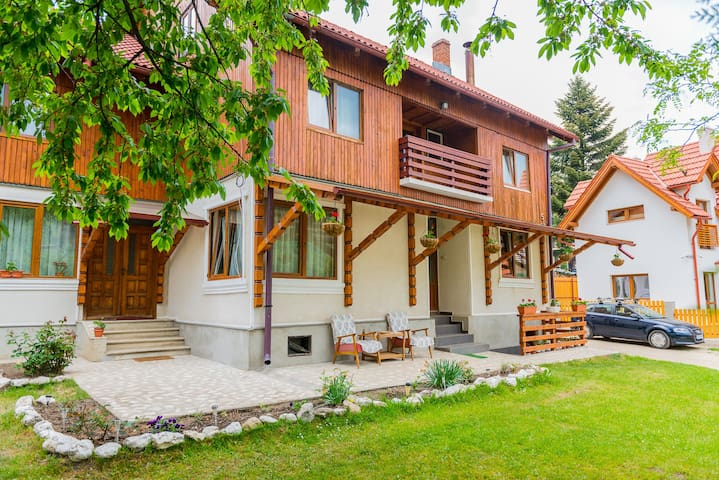 Cozy cottage near Bran Castle