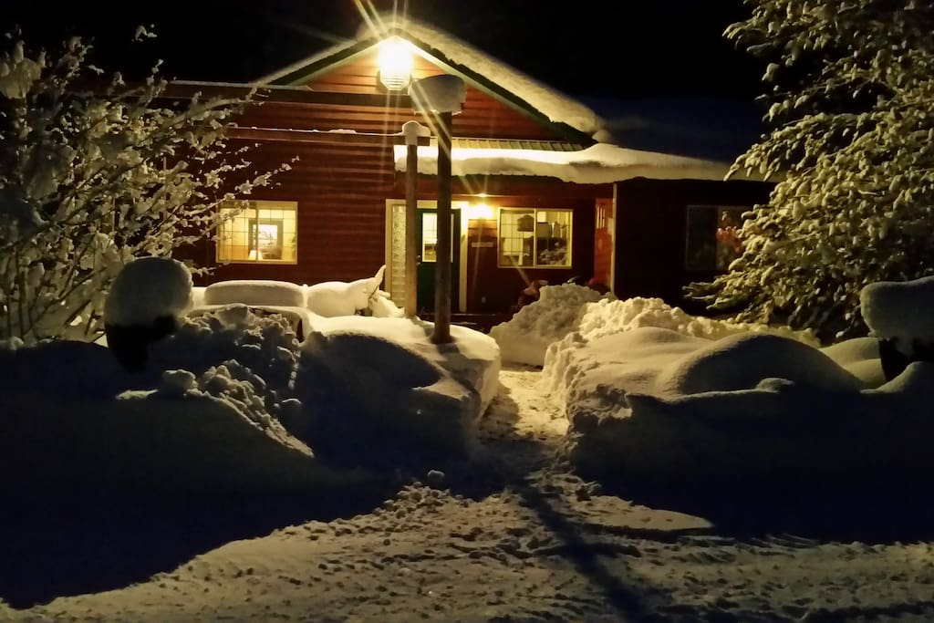 A view of the home in winter.