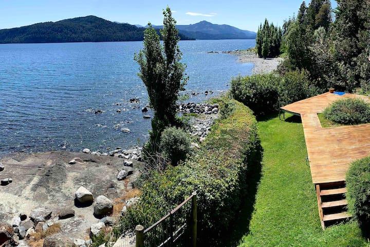 Casa con costa de lago .Gran vista al Nahuel Huapi