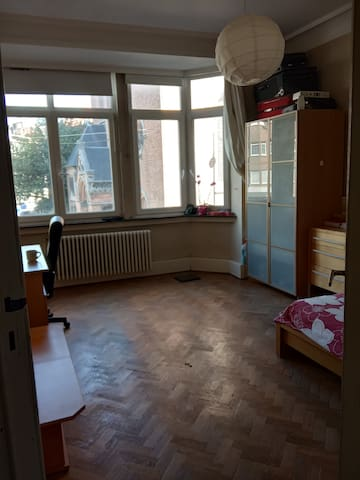 Private room in Brussels, Etterbeek!!