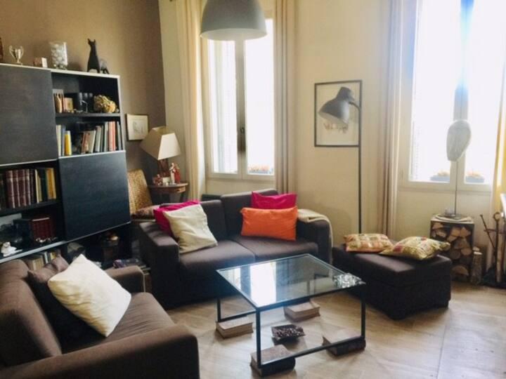 T2 80 m²+Terrasse + Box Parking - Centre au calme