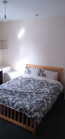 Double Room in Cricklewood  London close to center