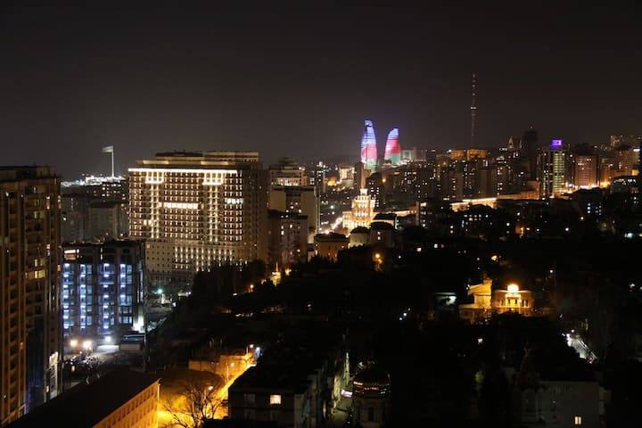Apartment with beautiful view+transfer+rent a car - Baku
