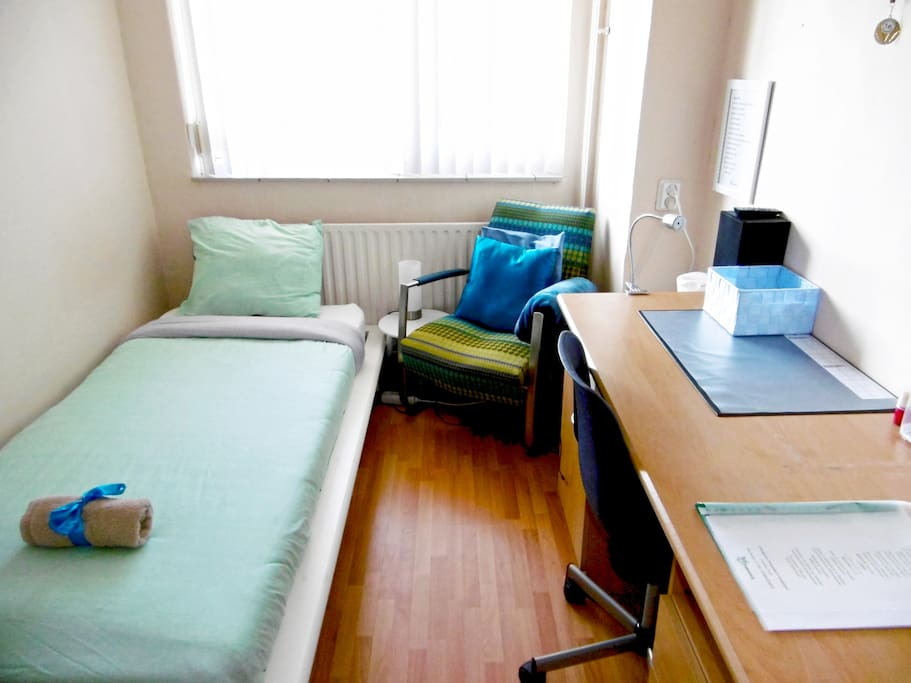 Single Room got all you need, desk, radio with cable to connect your mobile phone
