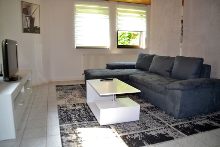 Close to SAP & MLP, nice and newly furnished flat