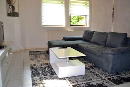 Close to SAP & MLP, nice and spacious flat