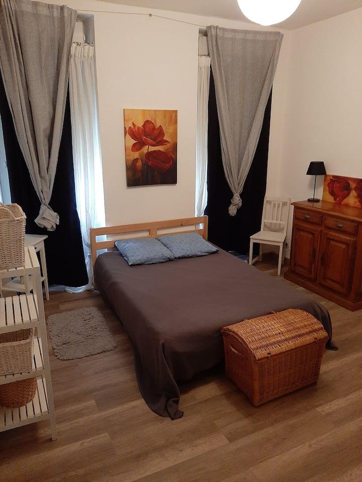 logement entier de 70 m2 .centre salon de provence