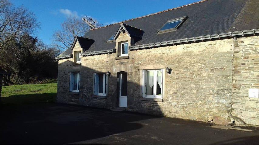 Chambre chez l'habitant en centre Bretagne - Moréac - Dom