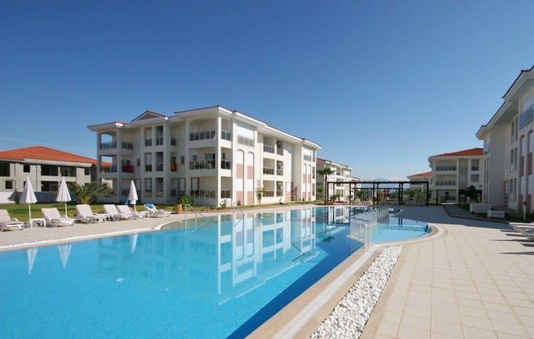 Prachtig penthouse op voorzieningenpark nabij Side - Manavgat - Apartamento