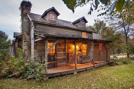 """""""Grandpa's Cabin"""" 1837 Historic Cabin"""