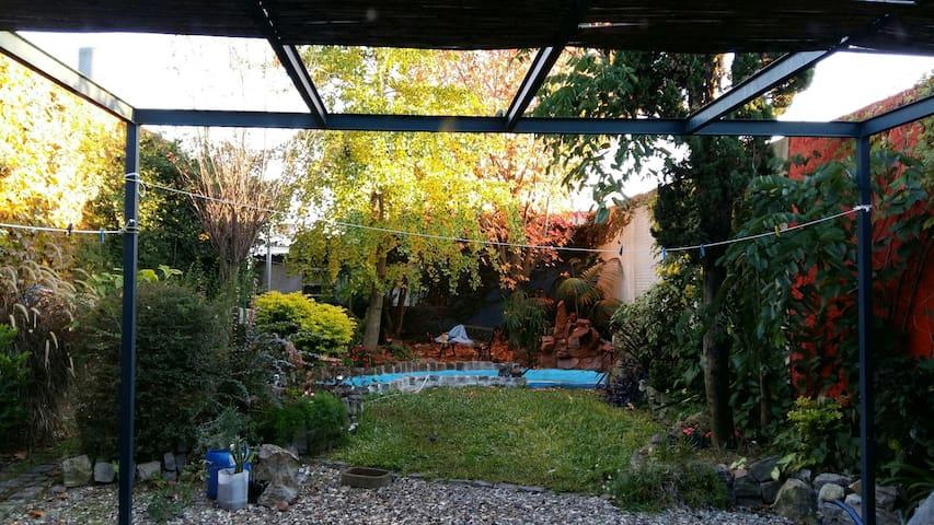 Casa confortable, con todos los servicios  - Montevideo - House