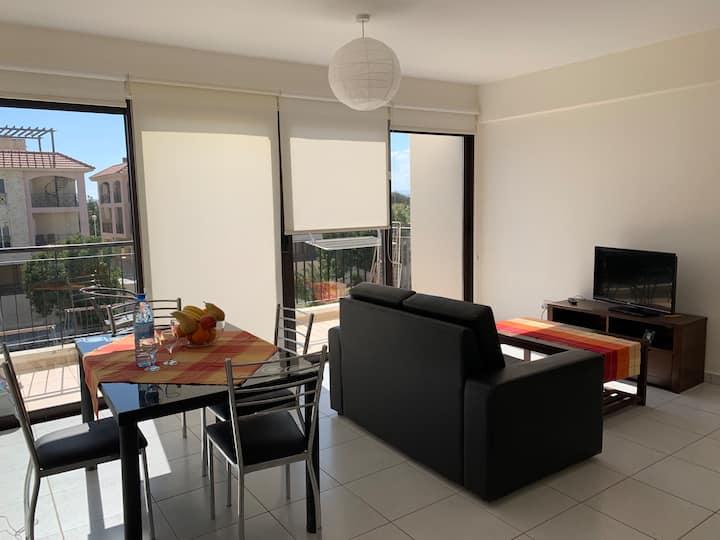 Apartment, ruhig, mit Pool - Meer- & Flughafen nah