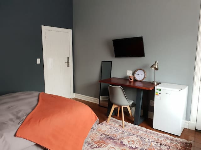 NEW! 7th Avenue, Modern stay! No2.