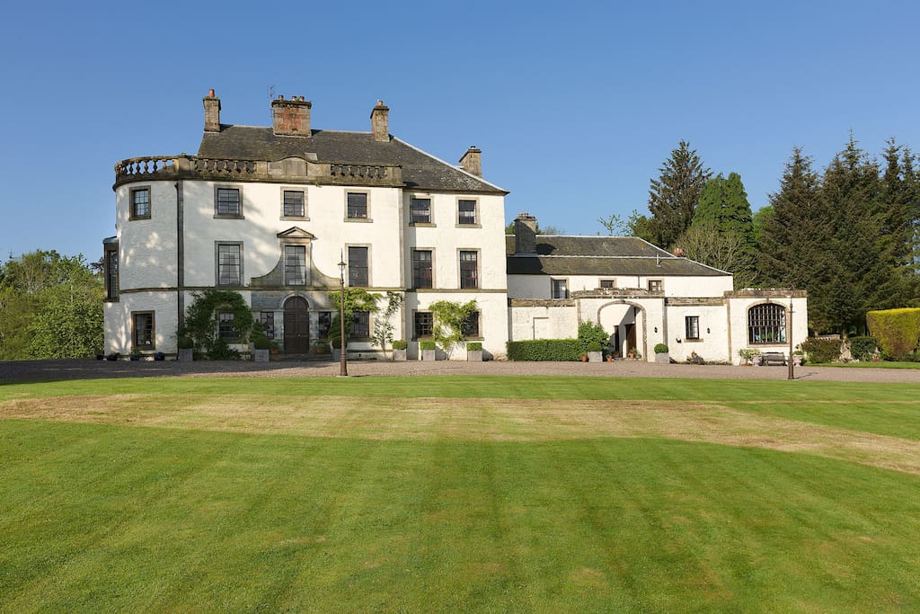 Pitcairlie Mansion House