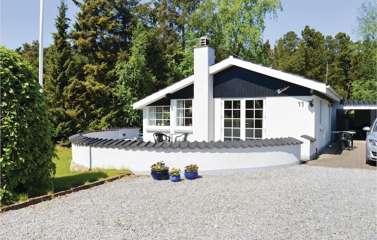 Holiday cottage with 3 bedrooms on 80m² in Sæby