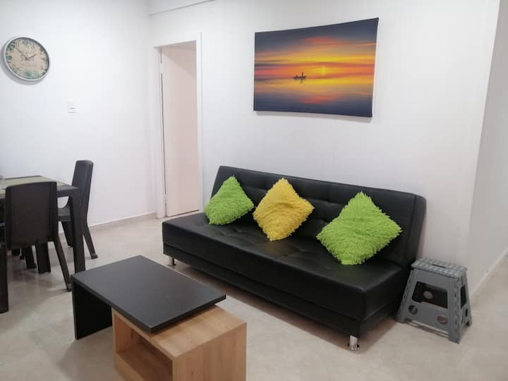 Apartamento Amoblado precio incluye 2 personas.
