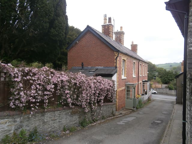 The Hollies, a traditional Victorian Cottage.