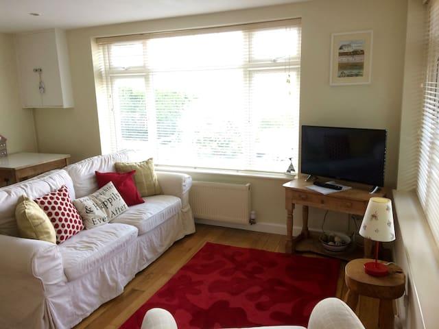 1 double bed flat sleeps 2+2 Lyme Regis