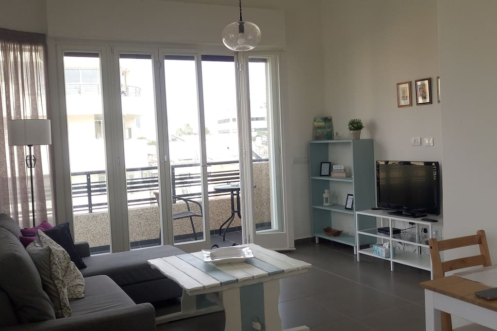 large and bright living room, easy to get to the balcony