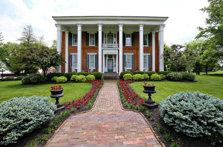 Historical Plantation Home - Crestwood - Rumah
