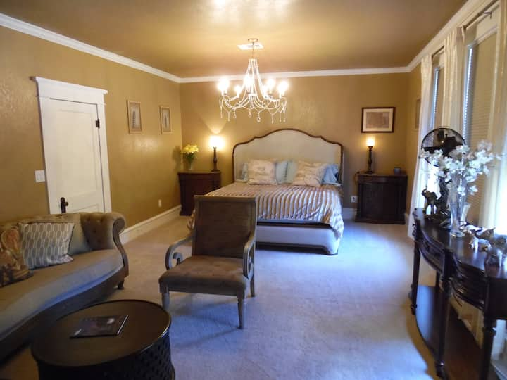 Main Street B&B (Suite A)