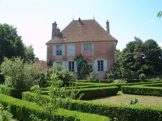 Le Petit Fort en Bourgogne