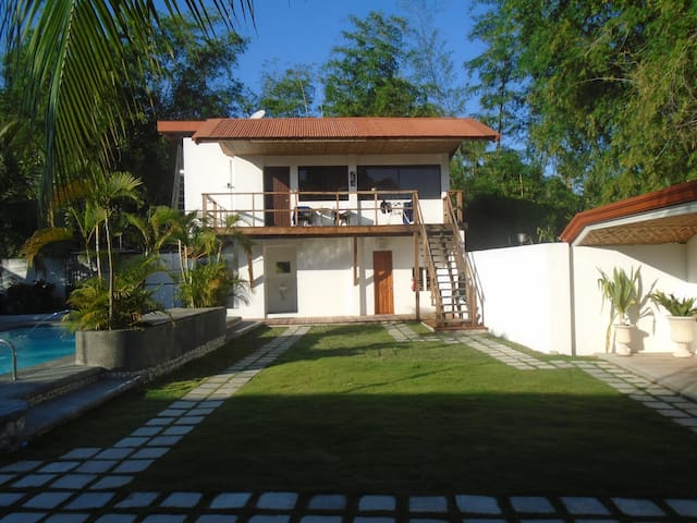 Apartment Parrot Resort Moalboal - Moalboal - Servicelägenhet