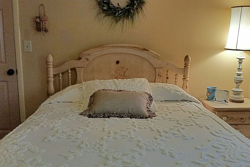 Queen size bed with memory foam