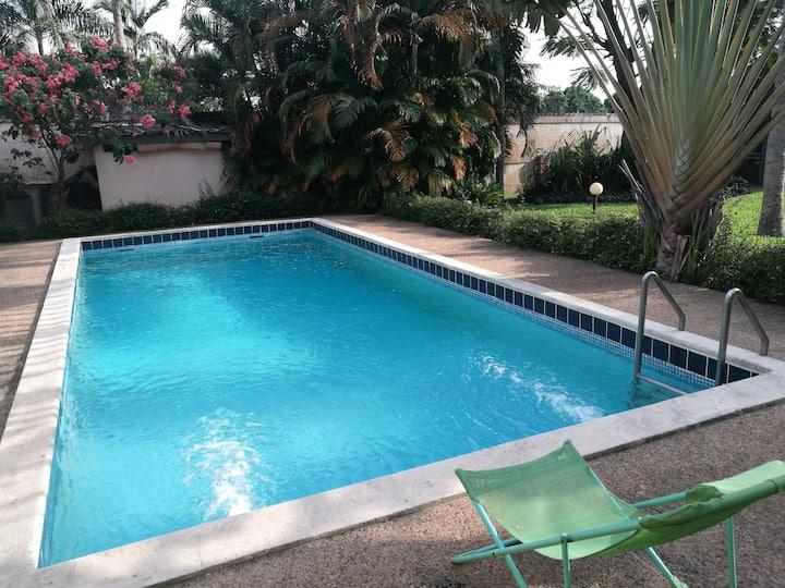 Chambre privée avec piscine proche ENA 2 plateaux.