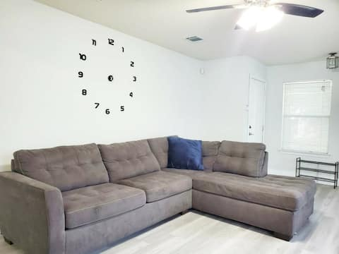 Comfy Master Room(1)  Near Downtown Austin&Airport