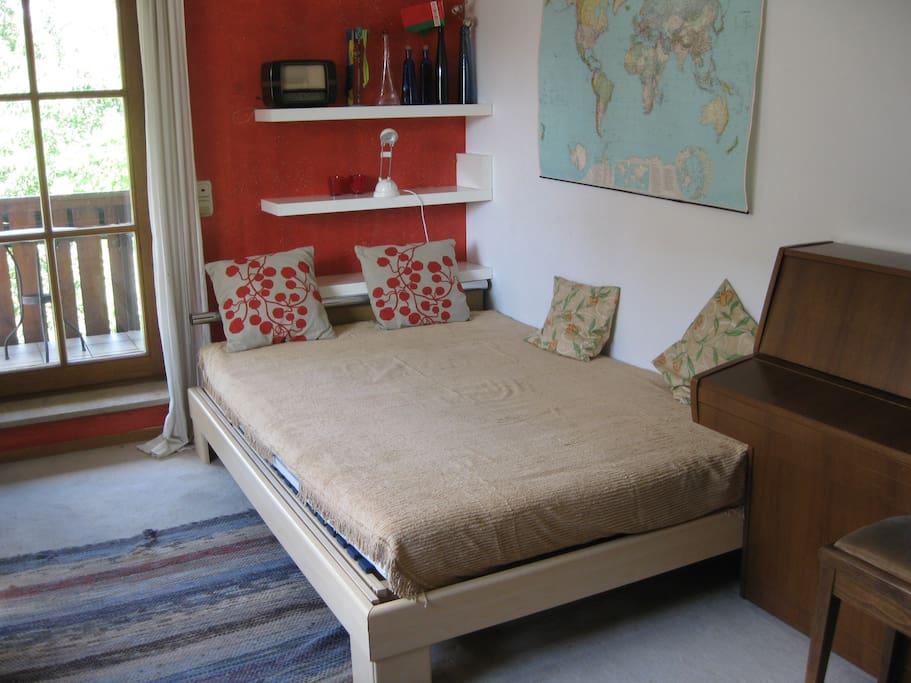 bequemes Bett mit guter Matraze 1,40 breit