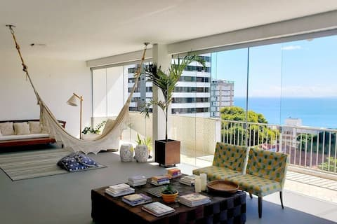 Charming and spacious apt with gorgeous seaview and bathtub