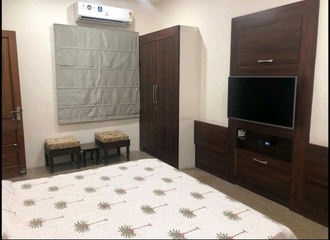 Independent Studio Unit with restroom and terrace