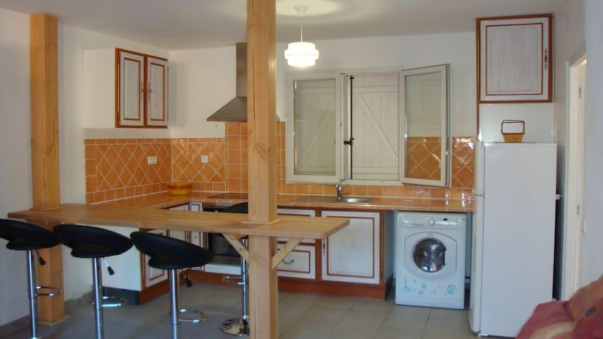 charmant T2 tres propre et au calme - Saint-Vallier-de-Thiey - Apartamento