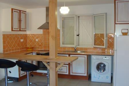 charmant T2 tres propre et au calme - Saint-Vallier-de-Thiey