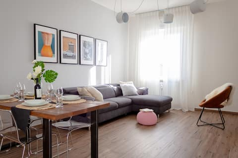 LuckyHome ♣ Near the Station, Easy to City Center