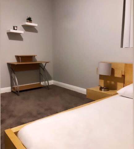 Private Bedroom in Central LA 10min to LAX/DT #2
