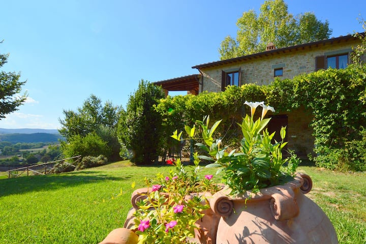 Spacious Holiday Home in Umbria with Private Pool