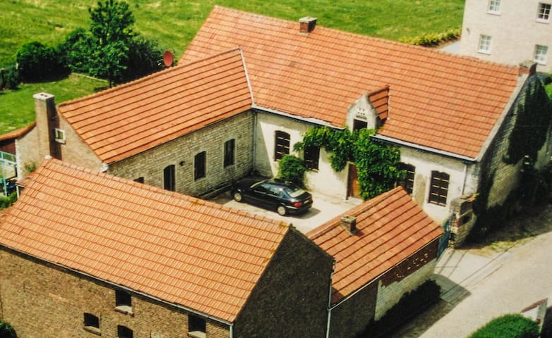 Charming Farmhouse, Great Views, Big Garden w/ BBQ - Beauvechain - Dom