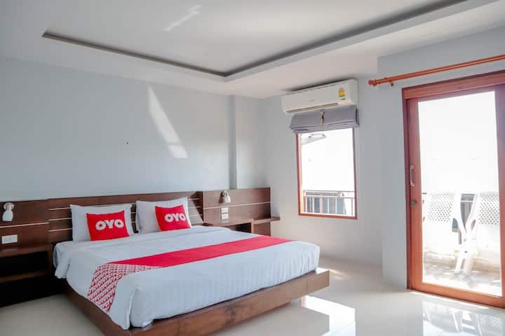 Superior Double  in OYO 866 Lanta Ray Bay Hotel