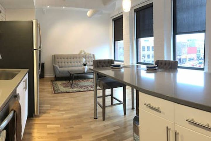 Woolworth Lofts - 1 Bedroom (311)