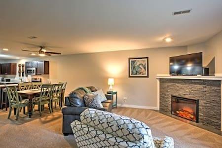 2BR Utica Villa w/ Resort-Style Amenities! - North Utica - Villa