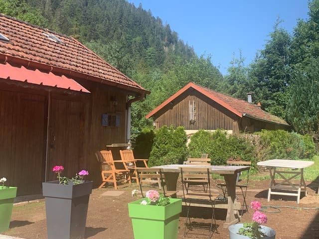 Grand refuge de charme au bord de l'eau. SPA&Sauna