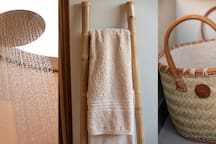 Rooibos Bush Lodge - Towels supplied by lodge