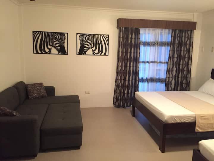 Vet's Farmville Resort (Room 1)