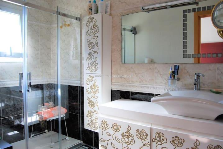 Urb el rosario 2017 the top 20 urb el rosario vacation home rentals airbnb andalucía spain