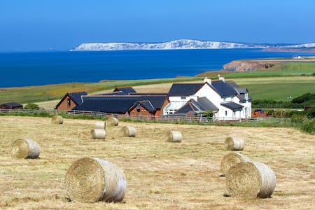 Chale Bay Farm - Needles' View