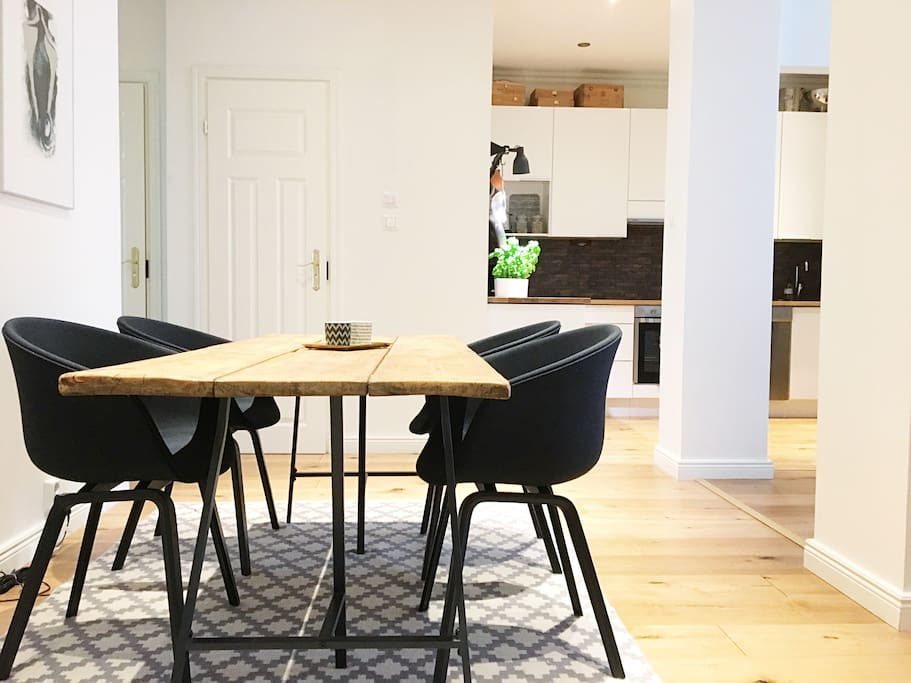 Set the dinner table here and enjoy your evening with home cooked meals.