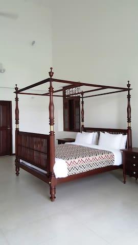 Kandyan Suite at PARROTFISH BAY Boutique Villa