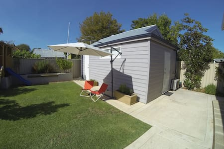 Clean, Quiet and Close to the City - East Victoria Park - Guesthouse